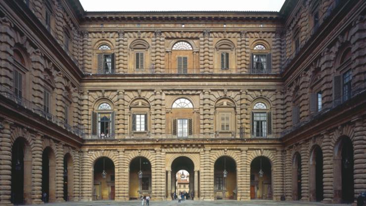 Внутренний двор Палаццо Питти - признан лучшим образцом ренессанса