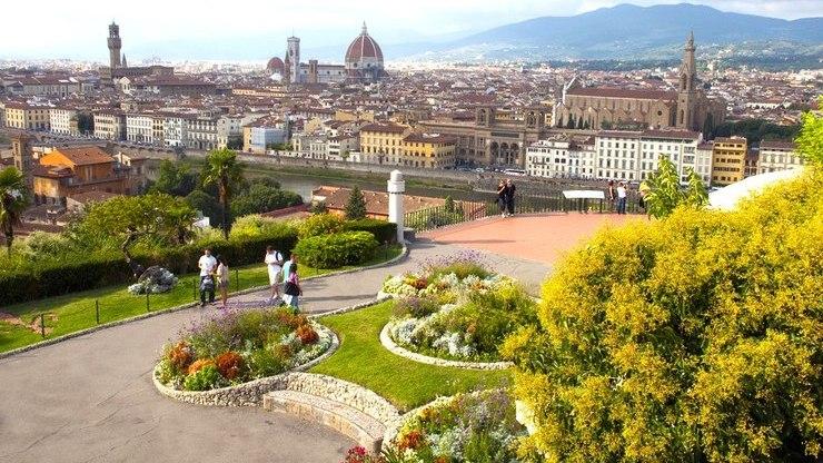 Площадь Микеланджело - весь город на ладони