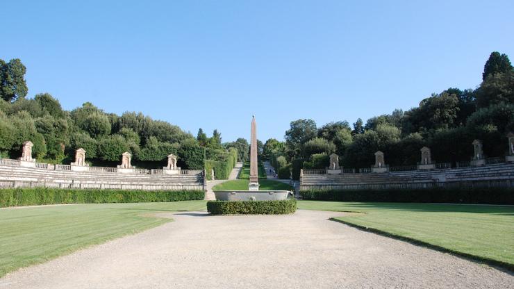 Амфитеатр с обелиском из Луксора в садах Боболи во Флоренции