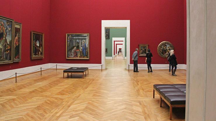 Залы Пинакотеки Брера. Картины распределены по залам согласно тематике