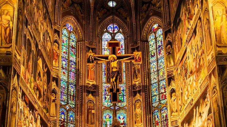 Интерьер собора Санта-Кроче во Флоренции