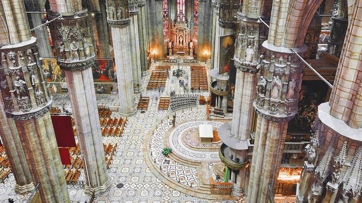 Внутреннее убранство собора, расположенного в историческом центре города