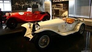 Экспонаты в стиле ретро в Alfa Romeo