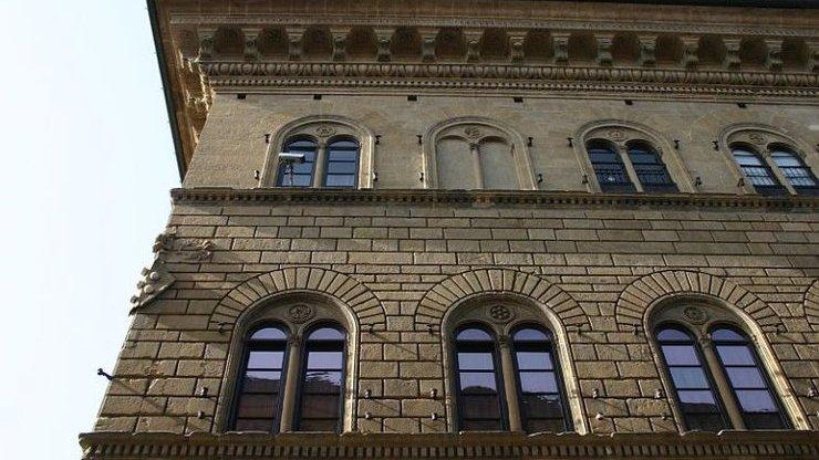 Фасад палаццо Медичи-Риккарди во Флоренции