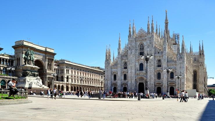 Знаменитый католический собор в историческом центре Милана