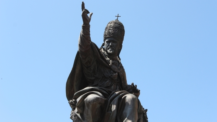 Памятник Папе Римскому Павлу V в Римини