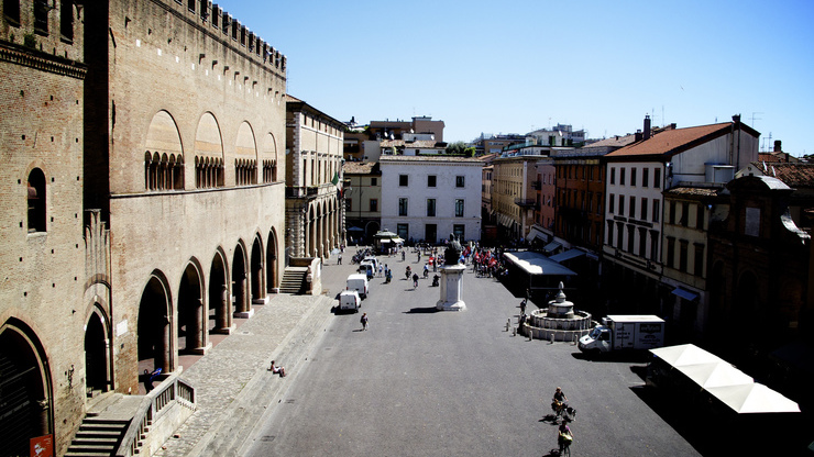 Вид сверху на площадь Кавур в центре Римини