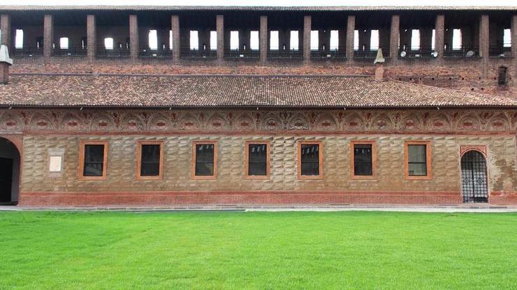 Стены замка, делающие его неприступной крепостью