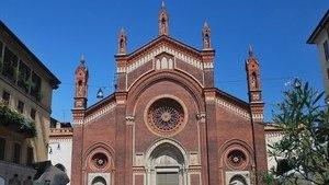Собор 13 века в центре Милана