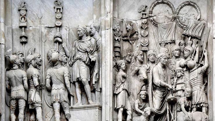Исторические события на барельефе