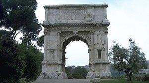 Древнее сооружение в Риме