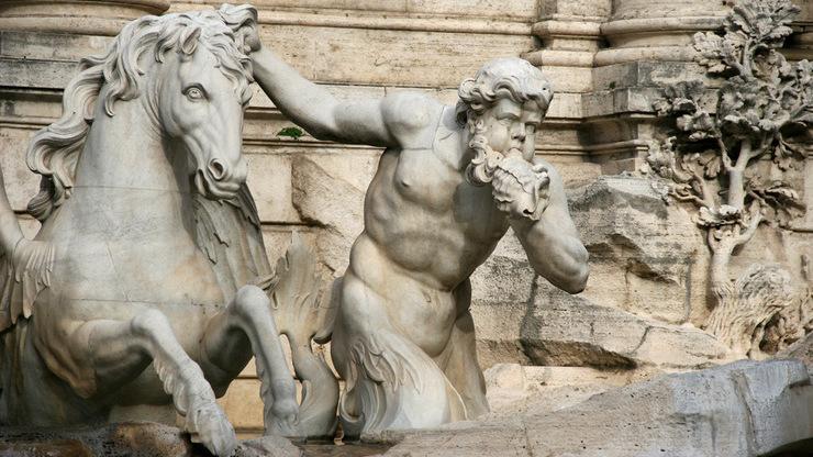 Скульптурные композиции тритона с конём у ног Нептуна