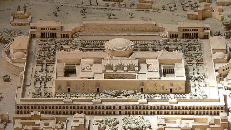 Архитектурные особенности Римской достопримечательности