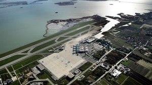 Вид сверху на территорию аэровокзала в Венеции